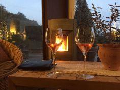 Aperitivo in veranda Polisena con Spumante rosè Metodo Classico