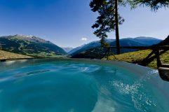 Photo Credit QC Terme | Piscina panoramica esterna dei Bagni Vecchi